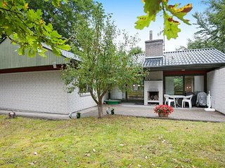 Fjellerup Mark Holiday Home Sleeps 6 - 5177580
