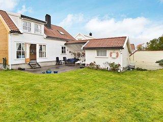 4 bedroom Villa in Kristiansand, Vest-Agder Fylke, Norway : ref 5177366