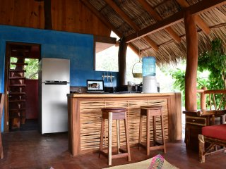 La Siesta- A Must See Newly Renovated 3 Story Casa W/ Beautiful Tree House Room