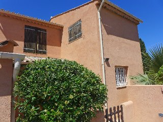 3 bedroom Villa in Fréjus, Provence-Alpes-Côte d'Azur, France : ref 5059217