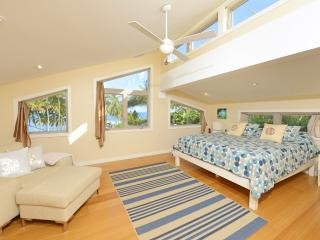 Paia Beach Luxury Home, 2 Bedrooms, 10 steps white sandy beach