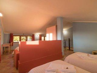 Sant'Anna Holiday Home Sleeps 8 with Pool and WiFi - 5055933