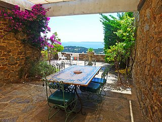 2 bedroom Villa in Cap Gaou Bénat, Provence-Alpes-Côte d'Azur, France : ref 5699