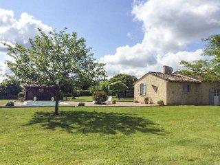 1 bedroom Villa in Saint-Méard-de-Gurçon, Nouvelle-Aquitaine, France : ref 50496