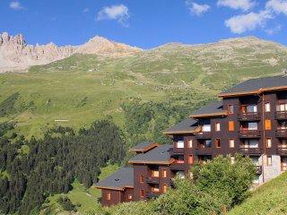 Appartement Duplex dans les Montagnes | Acces Direct aux Pistes!