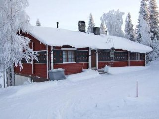 6 bedroom Villa in Kuusamo, Northern Ostrobothnia, Finland : ref 5045239