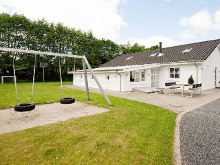 Kankbolle Holiday Home Sleeps 12 with Pool and WiFi - 5042515