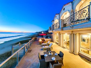 25% OFF JAN! Beachfront Beauty, 2 Master Suites, Ocean Views+Relaxation Deck