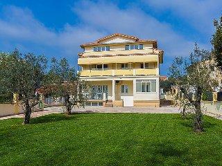 3 bedroom Apartment in Medulin, Istarska Županija, Croatia : ref 5035212