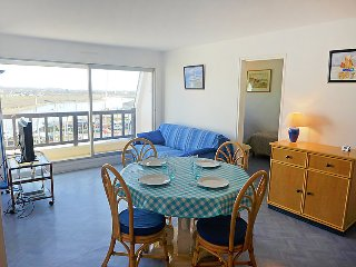2 bedroom Apartment in Cabourg, Normandy, France : ref 5034593