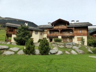 2 bedroom Apartment in Breíl, Canton Grisons, Switzerland : ref 5034018