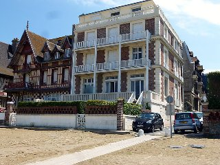 2 bedroom Apartment in Trouville-sur-Mer, Normandy, France : ref 5030955