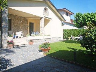 4 bedroom Villa in Forte dei Marmi, Tuscany, Italy : ref 5025771