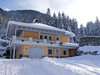 Obertauern Holiday Home Sleeps 10 with Free WiFi - 5025763