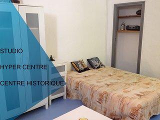 STUDIO 25 M2 PERPIGNAN HYPER CENTRE HISTORIQUE