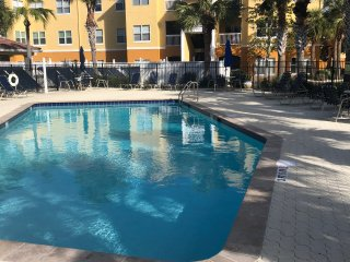Beach Way Vacation Getaway Condo Minutes From The Beach!