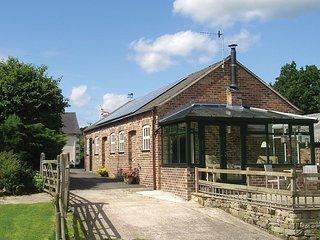PK817 Cottage in Leek