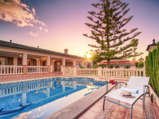 Villa for 6 people with 3 bedrooms in Bahía Grande (Mallorca). Ping Pong and pla