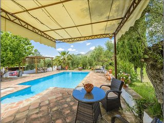 104242 -  Villa in Algodonales, 4 Bedrooms