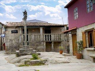 101412 -  House in Combarro