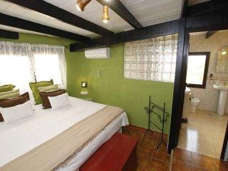 104381 -  Room in San Bartolome, 1 Bedroom
