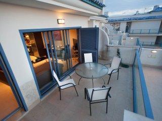 85 - Ático terraza y piscina