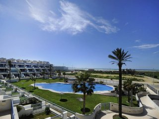 175 - Ático con terraza, piscina, garaje y wifi