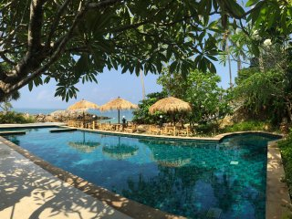 Family-friendly luxury villa with private garden, jacuzzi, pool, private beach