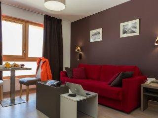Studio Apartment at Odalys Prestige Residence Front de Neige