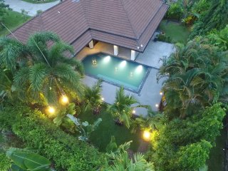 Baan Fuangfah - Family holiday villa with swimming pool
