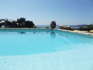 193293 2-bedroom apartment,sea view,shared heated pool 8 x 4 meters,beach 400mtr