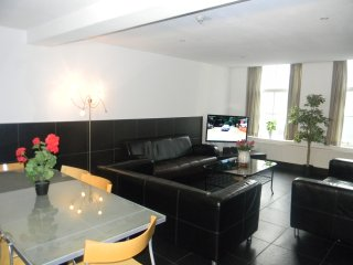 Amsterdam Center 3 Bedroom Apartment - New