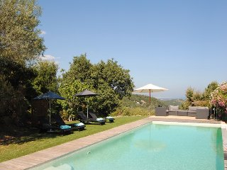 210982 6-bedroom villa,sea view,semi fenced pool 10 x 5,quiet located,centre 3km