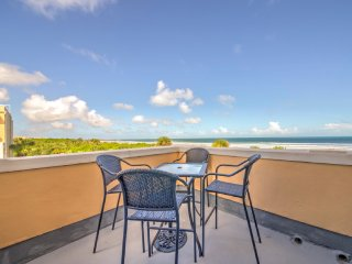 Penthouse Beach Front Newly Renovated With Beautiful Panoramic Views!