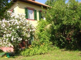 Magica Villa Rosa a Camogli con giardino e parcheggio- 10 posti letto