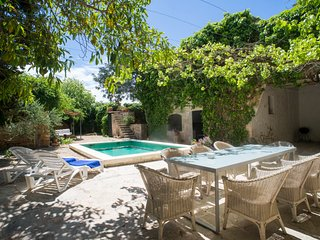 Villa Summer dreams. w/ pool, WiFi, parking