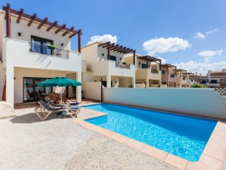 Burgau Casa 33. In Burgau, private pool and walk to the beach.