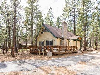 3BR + Loft Chalet, Walk to Heavenly Resort & the Best of Tahoe