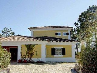 Quinta do Chaparro Villa Sleeps 11 with Pool and WiFi - 5238968
