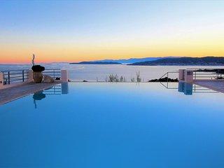Villa Thalia-Floating Heaven