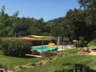 Comfortable country house in a quiet area with private pool and fenced garden