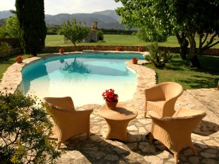 REFORMED FINCA IN BUGER WITH A LOTS CHARM