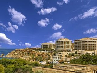 Luxury Apartment in the 5* Radisson Blu Resort & Spa, Golden Sands, Malta