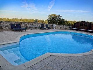 Renovated Gite chataigne with Pool.Nontron/Brantome area, Dordogne,France.