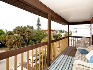 Beach Breeze Combo ~ Great for larger families, located between the bay & beach!