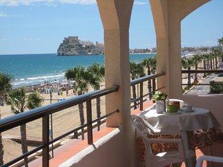 Primera Linea de Playa Frontal Mar y Castillo Pkng WiFi A/A,3a planta Peniscola