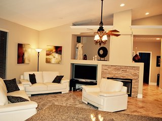 4 BDRM DESIGNER SCOTTSDALE AZ VACATION HOME RENTAL