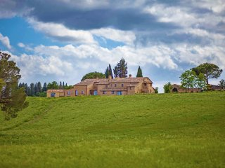 Villa La Contessa - Stunning villa in the heart of Val d'Orcia countryside