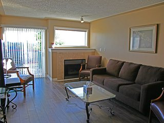 Westshore Townhouse – Sleeps 8