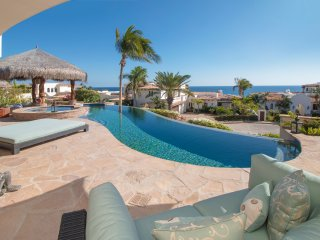 Delightful Ocean View 4 BD House, close to the beach!